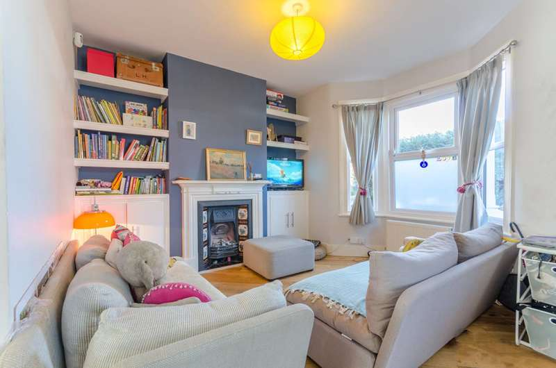 3 Bedrooms House for sale in Northbank Road, Walthamstow, E17