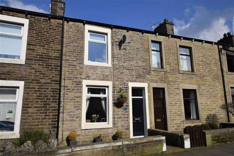 3 Bedrooms Terraced House for sale in Calf Hall Road, Barnoldswick, Lancashire