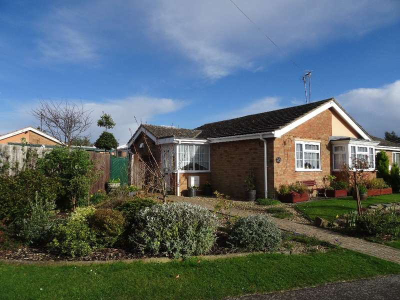 2 Bedrooms Semi Detached Bungalow for sale in QUEEN STREET, BOZEAT