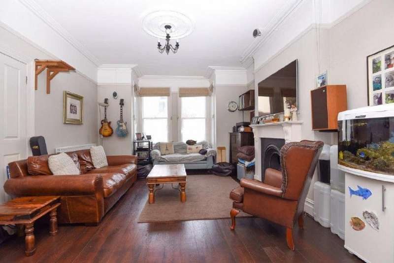 4 Bedrooms Semi Detached House for sale in Kendall Road, Beckenham, BR3