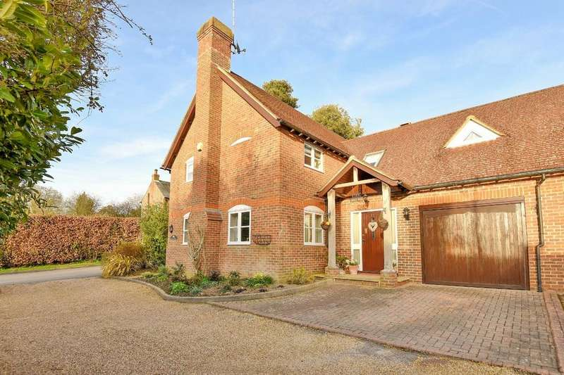 4 Bedrooms Detached House for sale in Brighton Road, Lower Beeding, Horsham, RH13