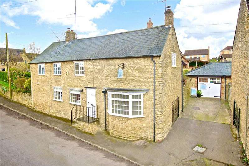 4 Bedrooms Detached House for sale in High Street, Bozeat, Northamptonshire