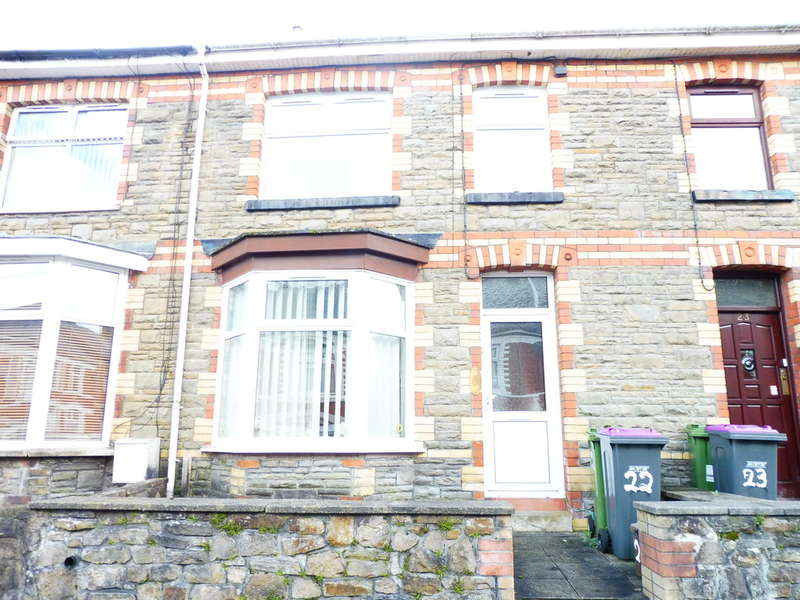 3 Bedrooms Terraced House for sale in Fowler Street, Wainfelin, Pontypool