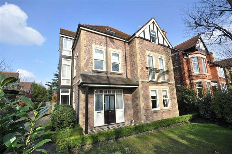 5 Bedrooms Detached House for sale in Barlow Moor Road, Manchester, M20