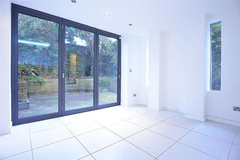 3 Bedrooms House for sale in St. John's Hill Grove, Battersea, SW11