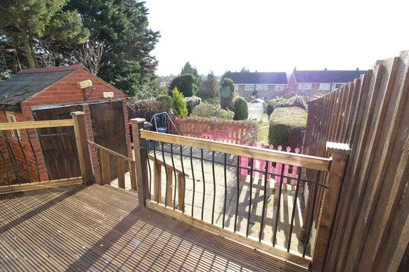 3 Bedrooms Terraced House for sale in Close to Leagrave train station