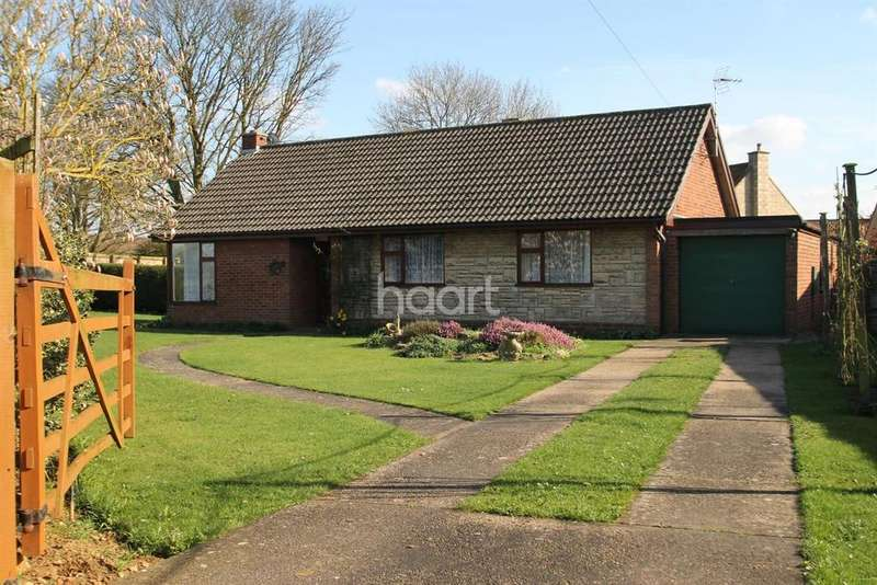 3 Bedrooms Bungalow for sale in Hough Road, Frieston, NG32 3BY