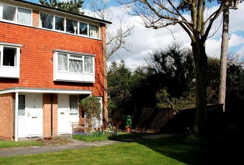 2 Bedrooms Maisonette Flat for sale in Oakways, Eltham SE9
