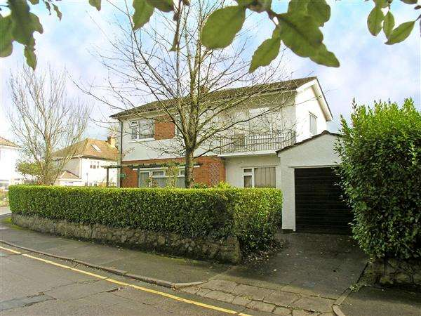 3 Bedrooms Detached House for sale in Rookwood Close, Llandaff
