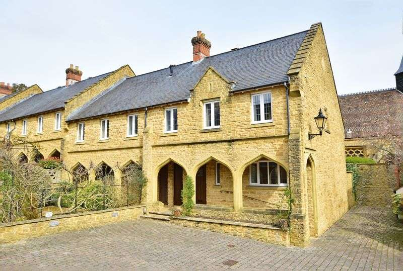 3 Bedrooms House for sale in Sherborne, Dorset