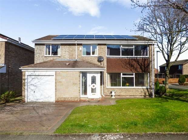 4 Bedrooms Detached House for sale in Enfield Chase, Guisborough, North Yorkshire