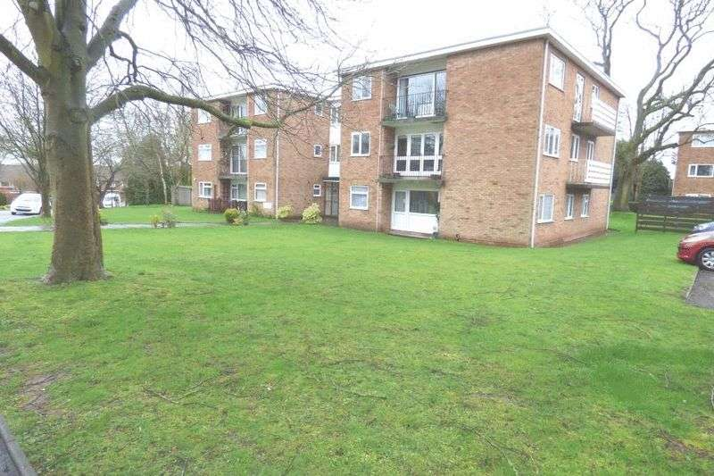 2 Bedrooms Flat for sale in Halifax Close, Coventry