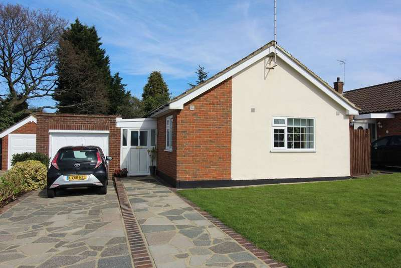 3 Bedrooms Detached Bungalow for sale in Nutfield Way, Orpington, Kent, BR6 8EU