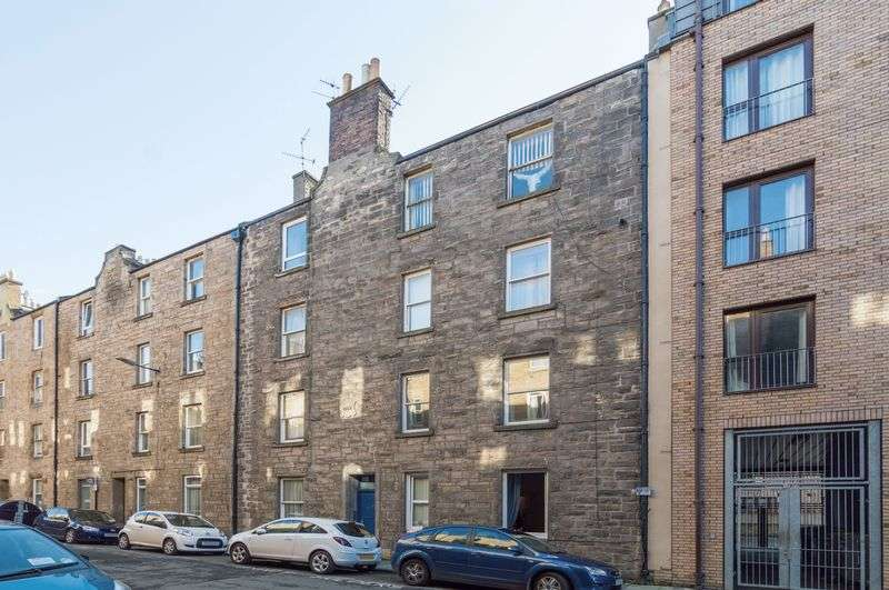 2 Bedrooms Flat for sale in 16 (1F1) Upper Grove Place, Fountainbridge, Edinburgh EH3 8AU