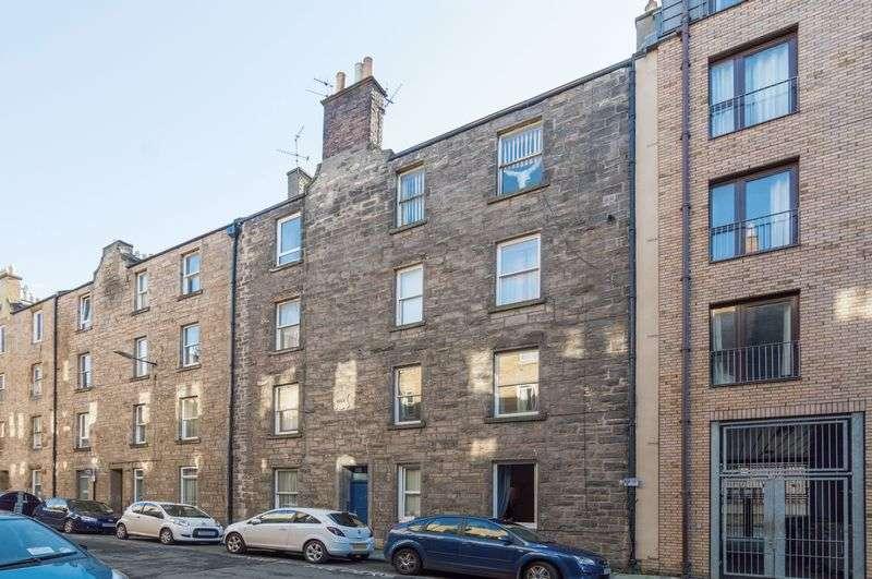 2 Bedrooms Flat for sale in 16 (1F1) Upper Grove Place, Fountainbridge, Edinburgh EH3 8AU