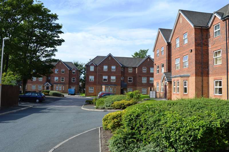 2 Bedrooms Flat for sale in Brookfield Apartments, Leigh Road, Atherton, Manchester, M46 0NW