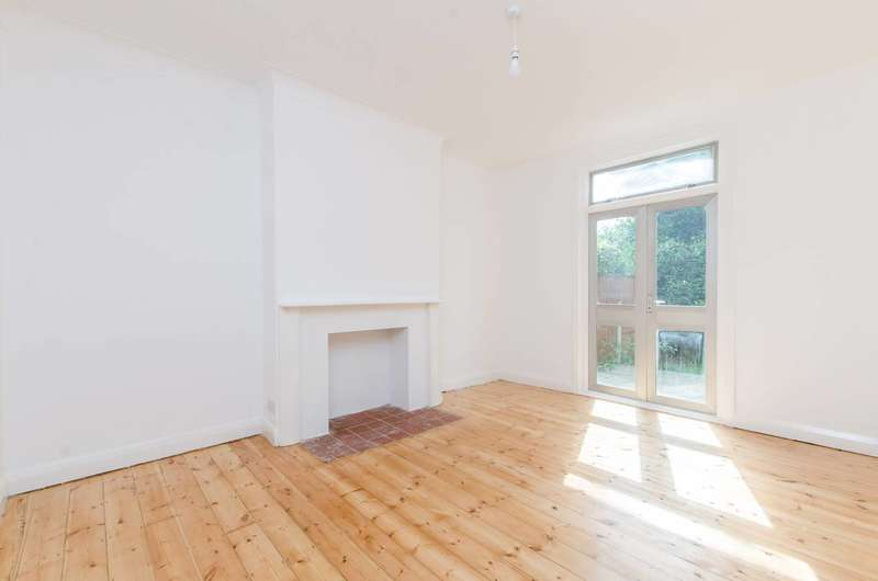 3 Bedrooms House for sale in Mackie Road, Brixton, SW2