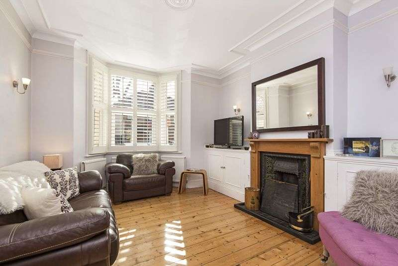 3 Bedrooms Terraced House for sale in Natal Road, London