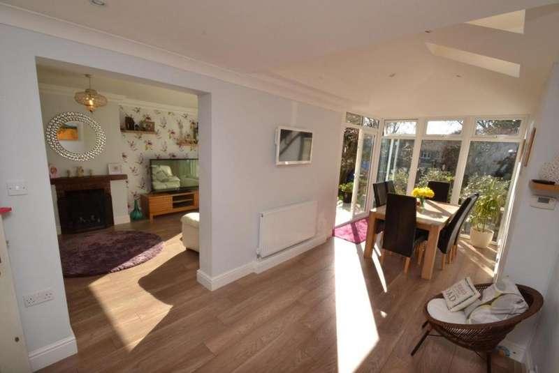 4 Bedrooms Terraced House for sale in Betoyne Close, Billericay, Essex, CM11