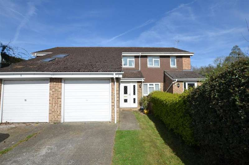 2 Bedrooms Terraced House for sale in Seton Drive, Calcot, Reading