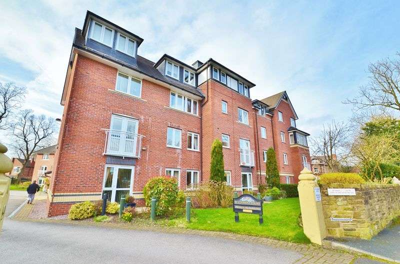 2 Bedrooms Flat for sale in Manor Avenue, Urmston