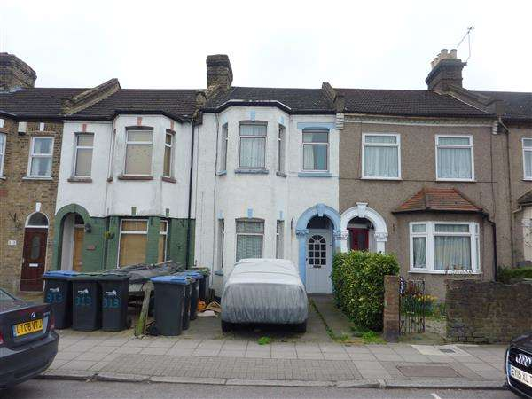 1 Bedroom Flat for sale in Ordnance Road, Middlesex