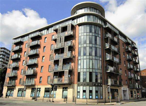 Studio Flat for sale in Barnfield House, 1 Salford Approach, Manchester