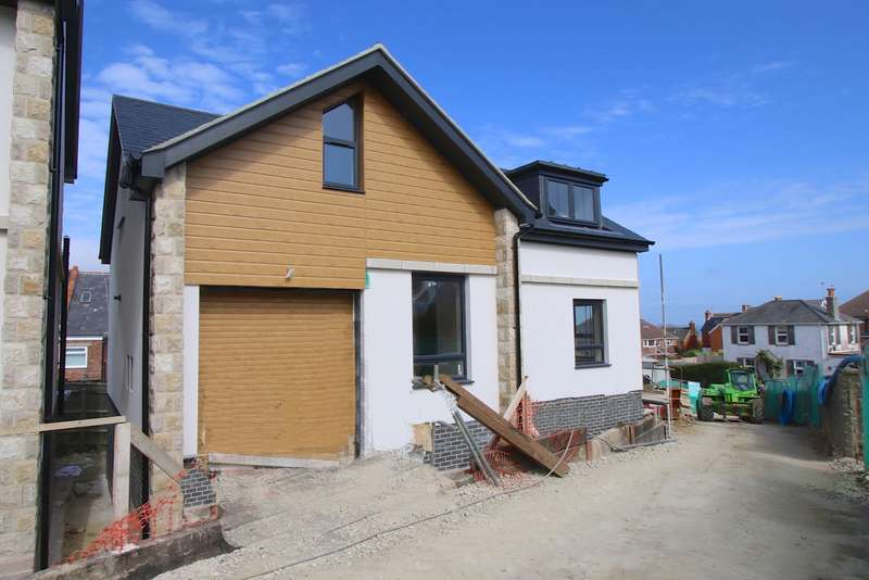 3 Bedrooms Detached House for sale in COBBLERS LANE, SWANAGE