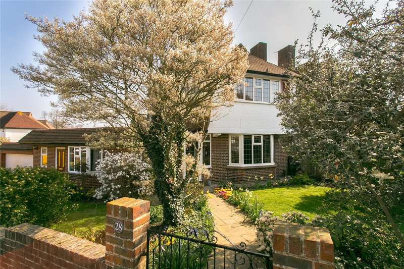 4 Bedrooms Detached House for sale in Pytchley Crescent, London, SE19