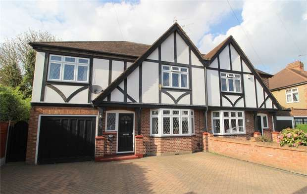 4 Bedrooms Semi Detached House for sale in Fordbridge Road, Ashford, Surrey