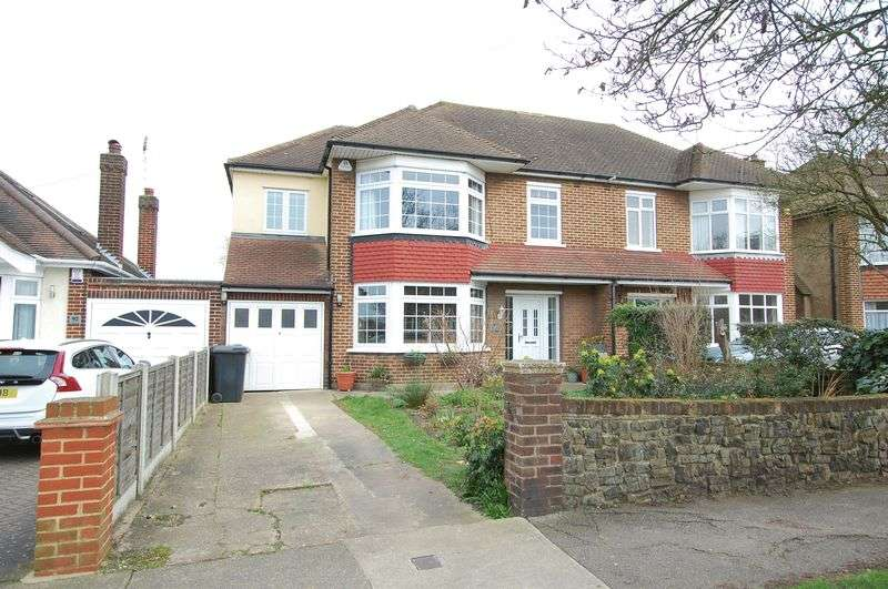 4 Bedrooms Semi Detached House for sale in Woodside