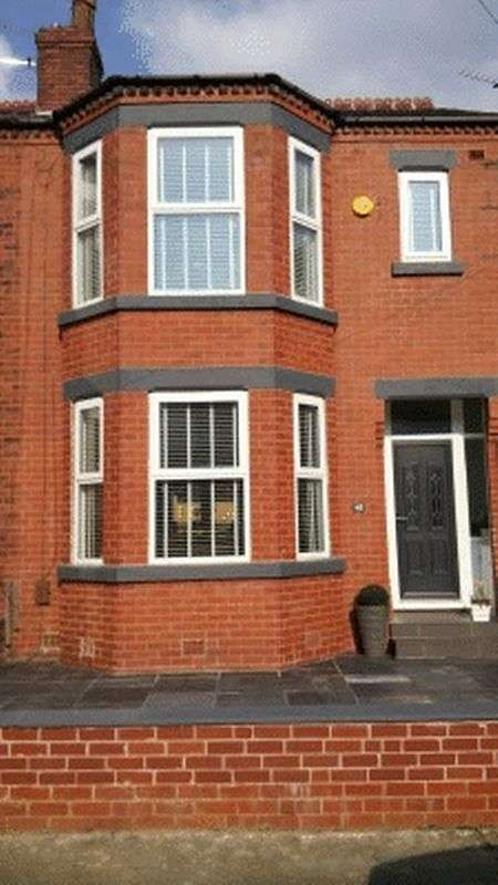 3 Bedrooms Property for sale in Longmead Road, Salford