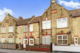 4 Bedrooms Terraced House for sale in Melfort Road, Thornton Heath
