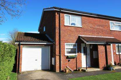 2 Bedrooms Semi Detached House for sale in Highcliffe, Christchurch, Dorset