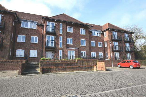 2 Bedrooms Apartment Flat for sale in Mountside Apartments, Mountside, Scarborough, North Yorkshire YO11 2TY