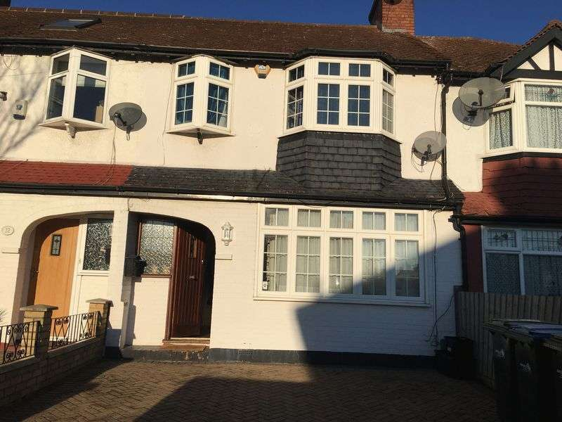 3 Bedrooms Terraced House for sale in Canada Avenue, London