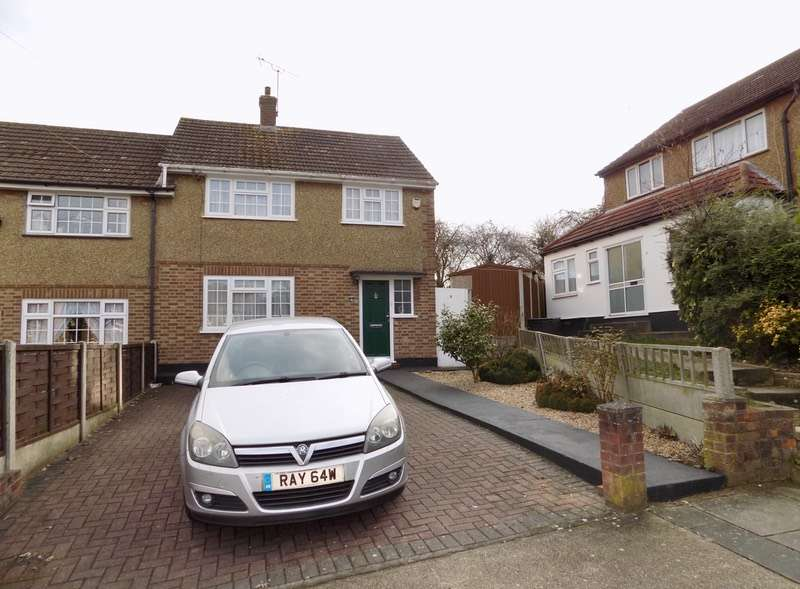 3 Bedrooms Semi Detached House for sale in Stanwyck gardens, Romford, Essex, RM3