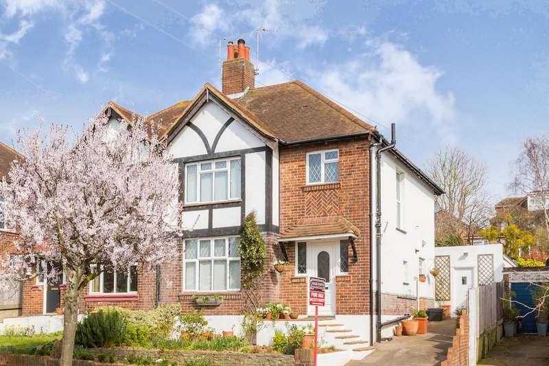 4 Bedrooms Semi Detached House for sale in Cobton Drive, Hove BN3