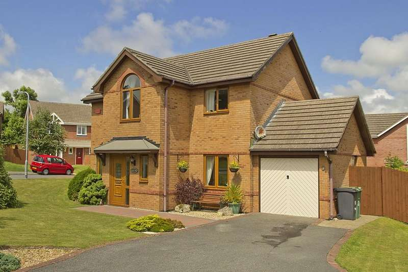 4 Bedrooms Detached House for sale in Pen Derwydd, Llangefni, North Wales