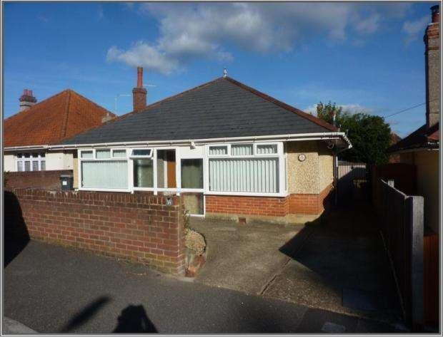 2 Bedrooms Detached Bungalow for sale in Lascelles Road Boscmbe East Bournemouth