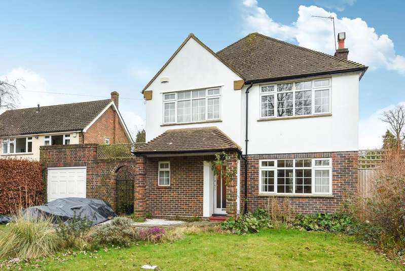 3 Bedrooms Detached House for sale in Oakley Road Bromley BR2