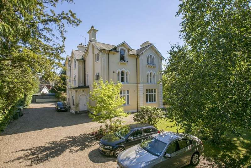 2 Bedrooms Apartment Flat for sale in Broadwater Down, Tunbridge Wells