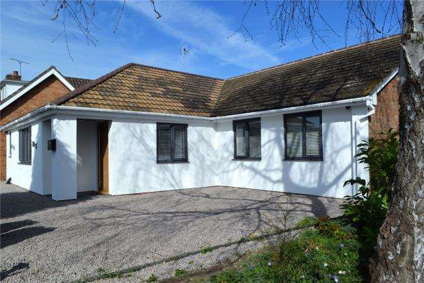4 Bedrooms Detached Bungalow for sale in Millbank, Warwick, Warwickshire