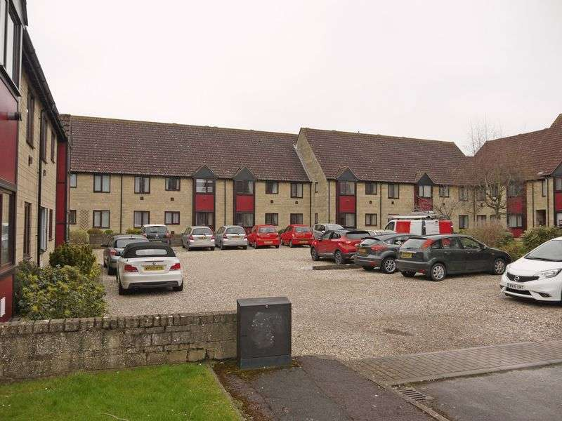 1 Bedroom Flat for sale in Church Street, Swindon