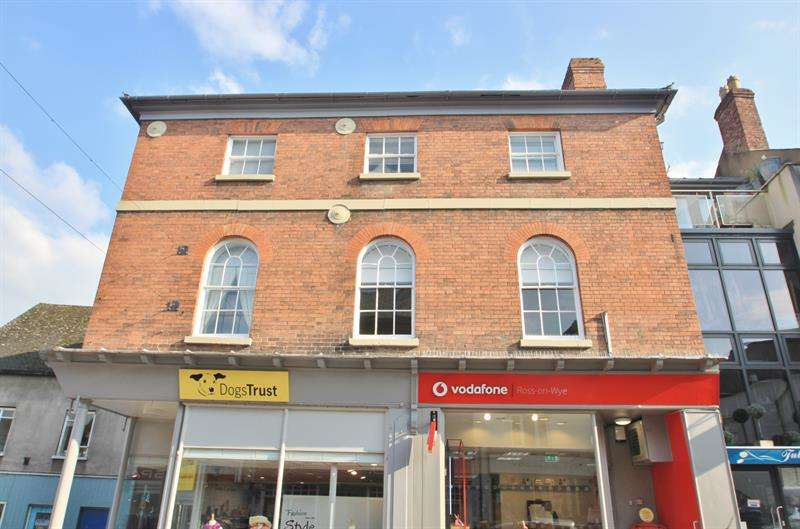 2 Bedrooms Flat for sale in Crofts Lane, Ross-On-Wye