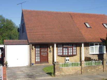 Bungalow for sale in Collier Row, Romford, Essex