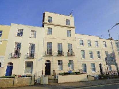 2 Bedrooms Flat for sale in Hewlett Road, Cheltenham, Gloucestershire
