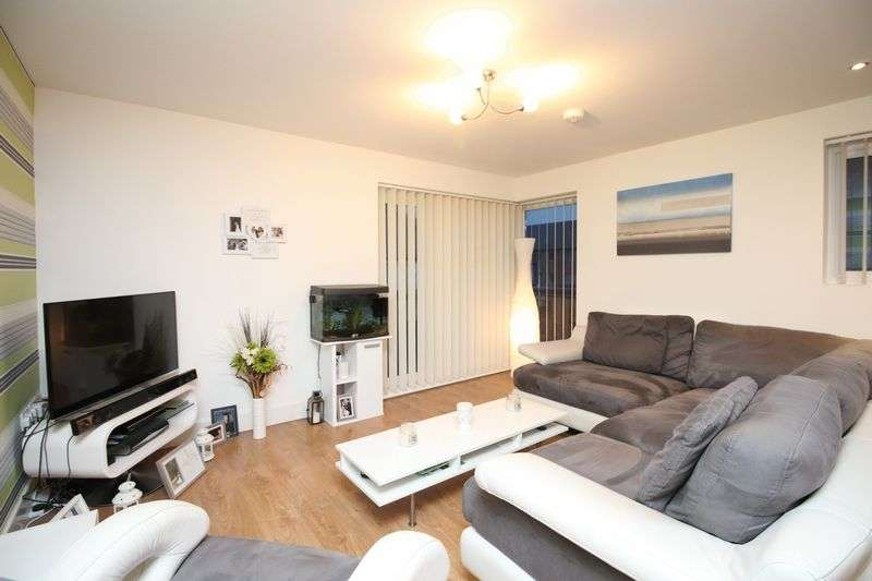 2 Bedrooms Flat for sale in Christie Lane, Salford M7