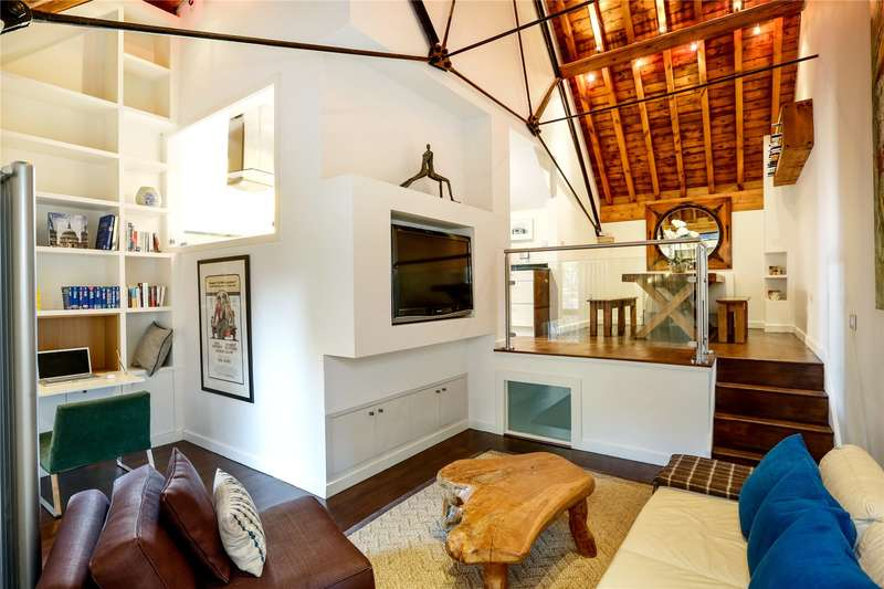 3 Bedrooms House for sale in Biggs Row, London, SW15