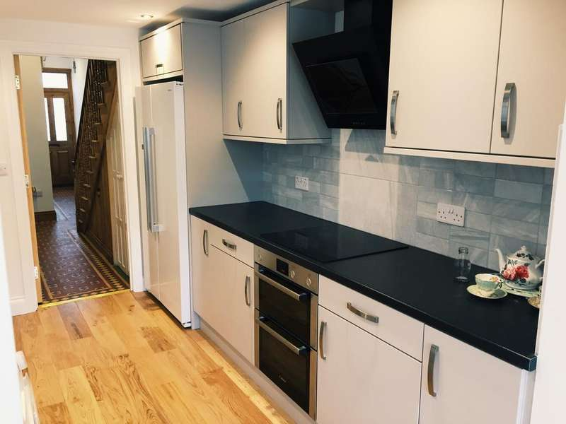 5 Bedrooms Terraced House for rent in Elm Grove, Brighton BN2
